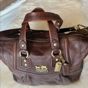 Beautiful Coach brown leather bag